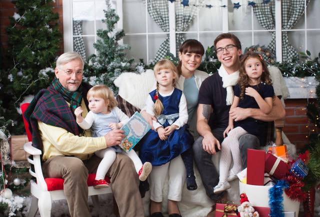 高齢者とクリスマスパーティー