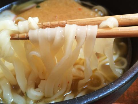 どん兵衛の麺がチュルチュル