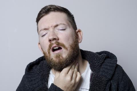 花粉症の症状で喉がかゆい