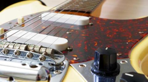 梅雨時期のギターやベースの管理