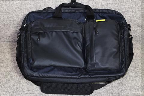 コールマンのバッグ正面