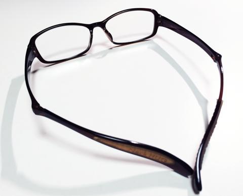 老眼鏡の付け外しが簡単なNeck HUG:4