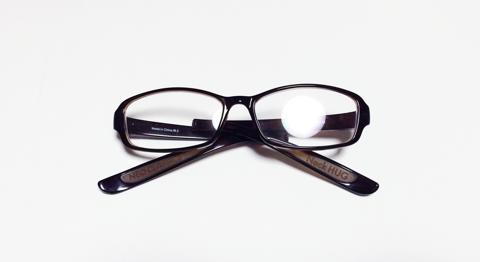 老眼鏡の付け外しが簡単なNeck HUG:6