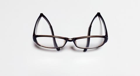 老眼鏡の付け外しが簡単なNeck HUG:7
