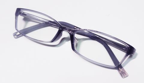 JINSのメガネは壊れにくい