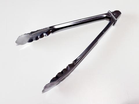 金属製の使いやすいトング