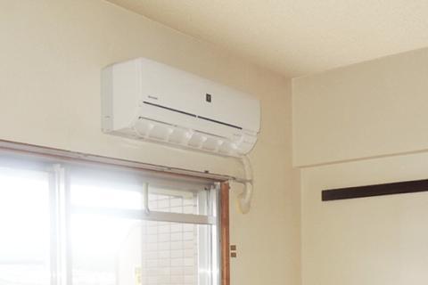 エアコンの購入はネットと量販店どっち?