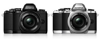 OLYMPUS OM-D E-M10の黒とシルバー