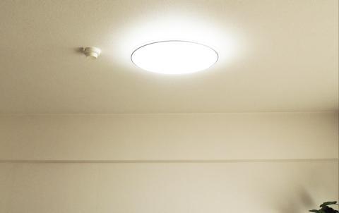 LEDシーリングライト調光で明い